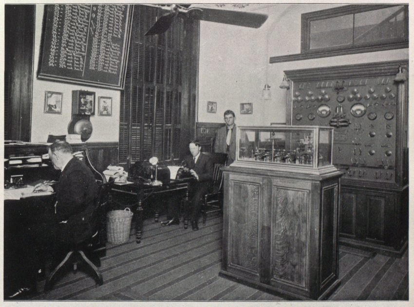 The chief engineer's office, Galveston (TX) Fire Department in 1906.