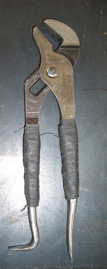 Chennel lock pliers