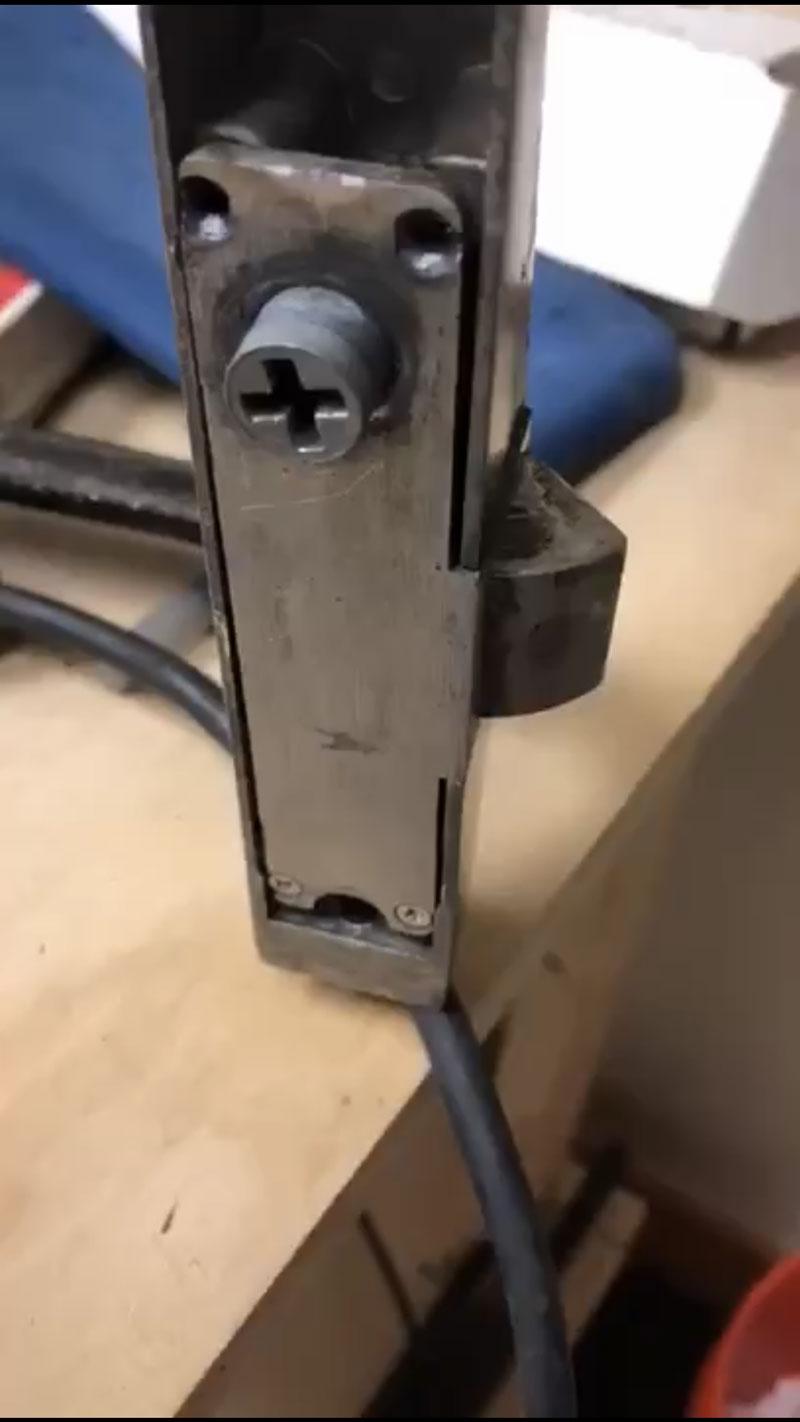 Cross patter on rim lock