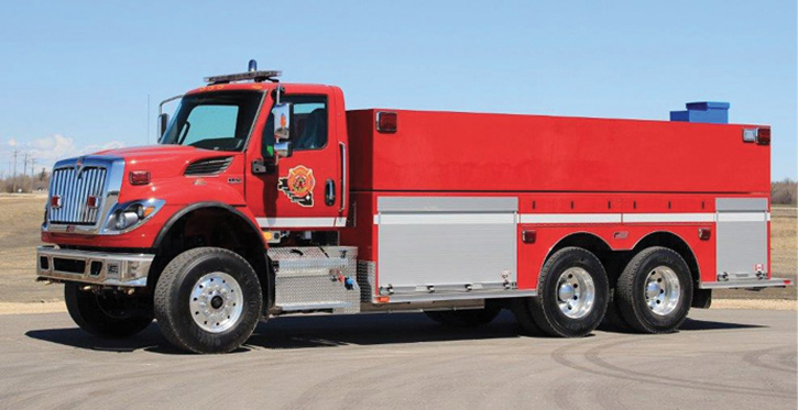 The Beaver Emergency Services Commission (Viking, Alberta, Canada) placed in service this Crusader Tanker built by FORT GARRY FIRE TRUCKS.