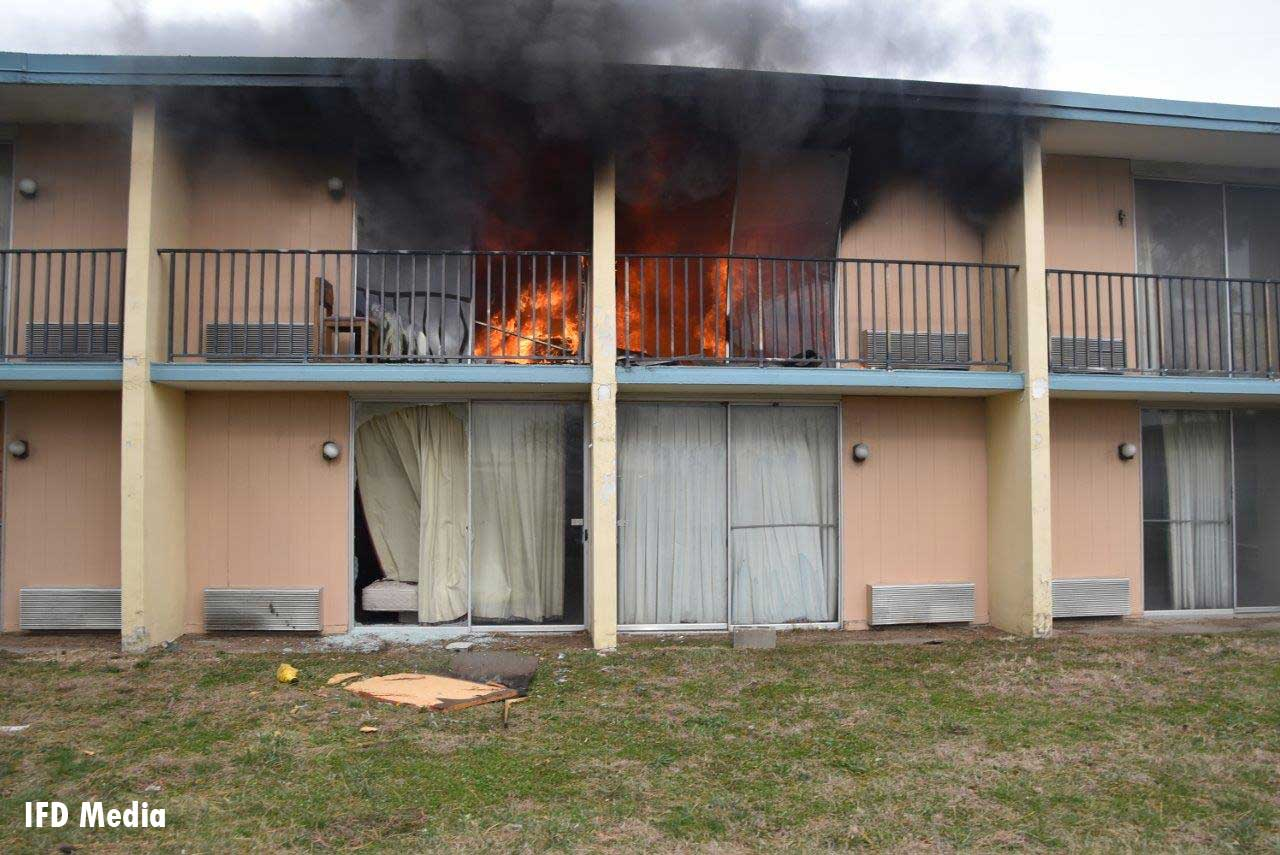 Fire rages at abandoned motel complex