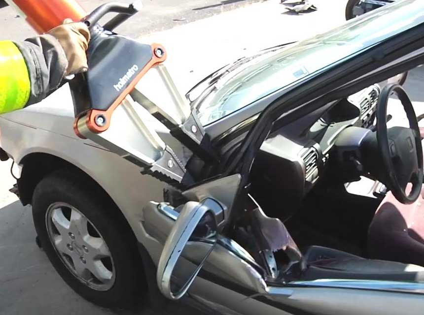 Extrication tool used on hinges of a car door