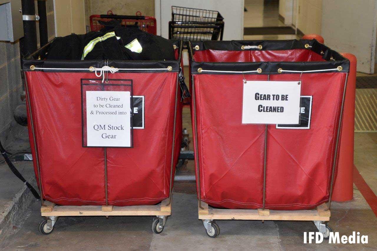 Clean and dirty gear bins