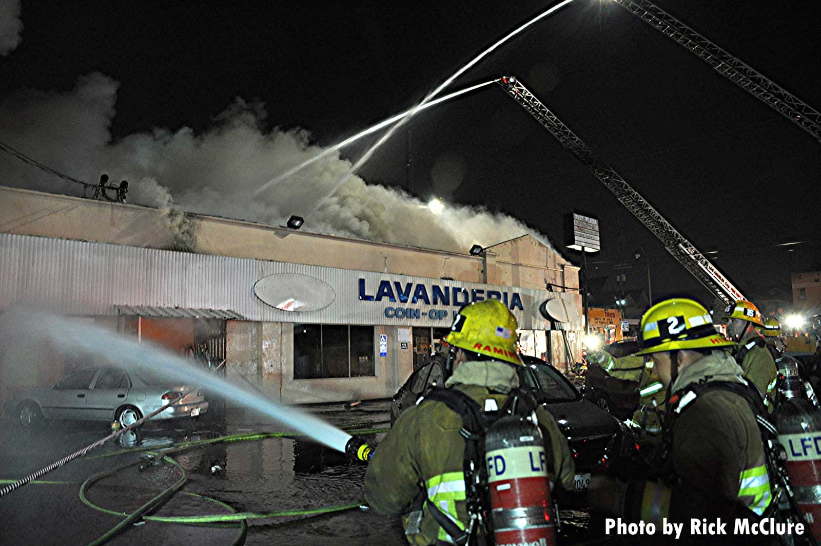 LAFD firefighters and streams at large fire
