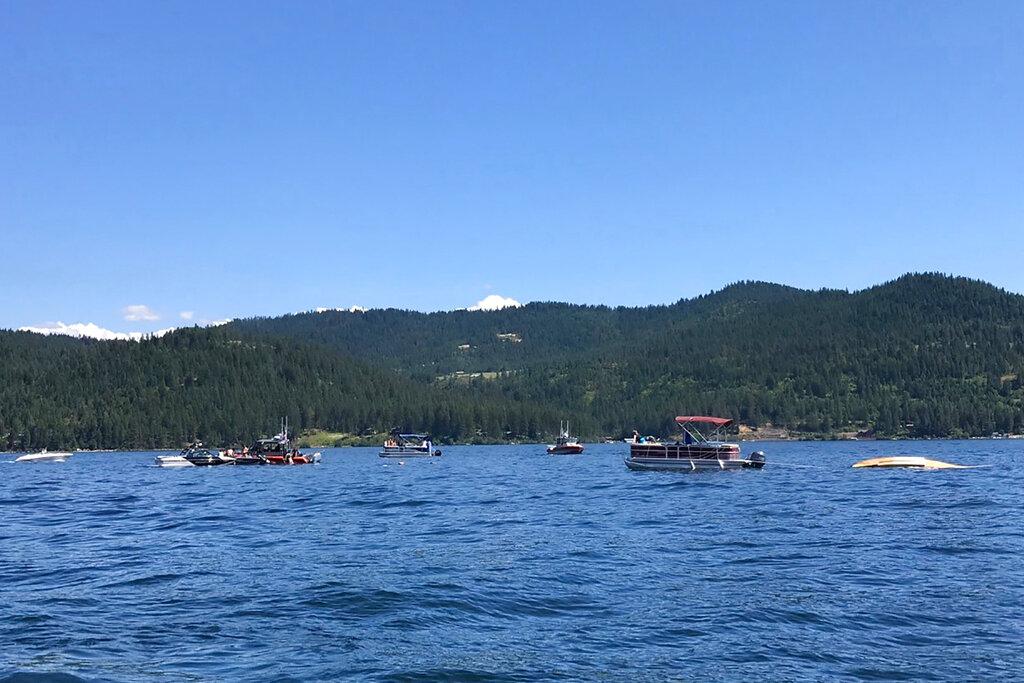 Plane crash at Idaho lake