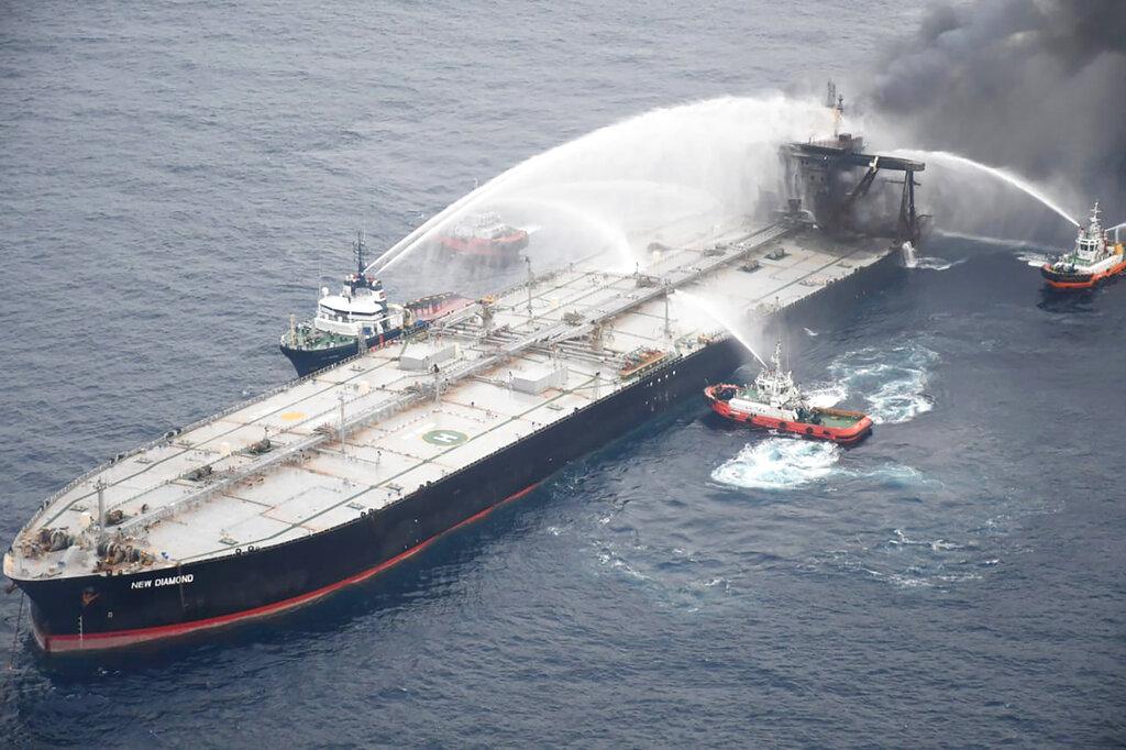 Ships battle fire on oil tanker in Sri Lanka