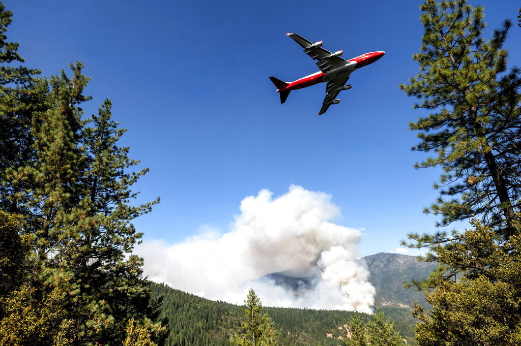 California wildfire tanker