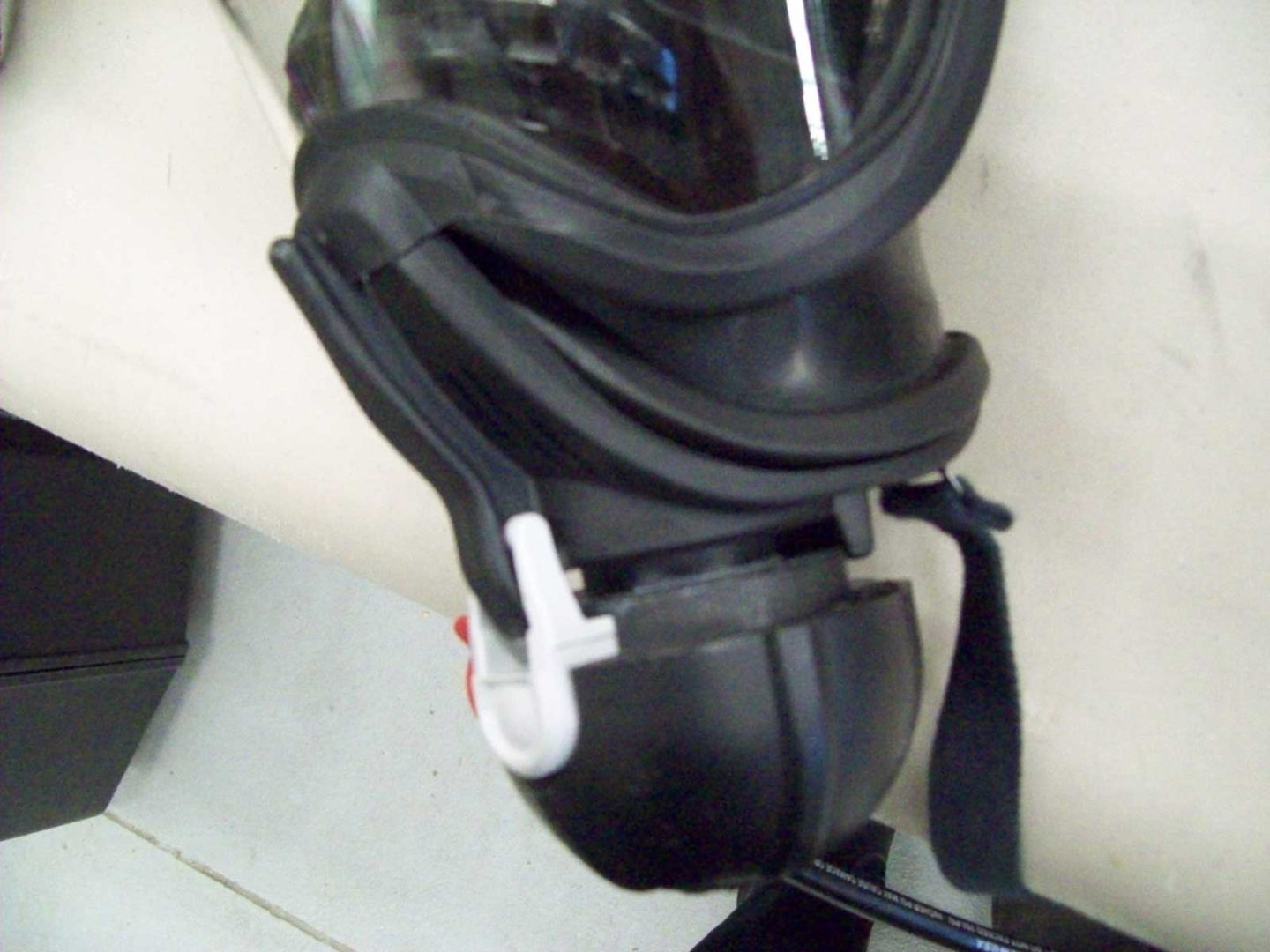 Improper connection SCBA MMR to face piece