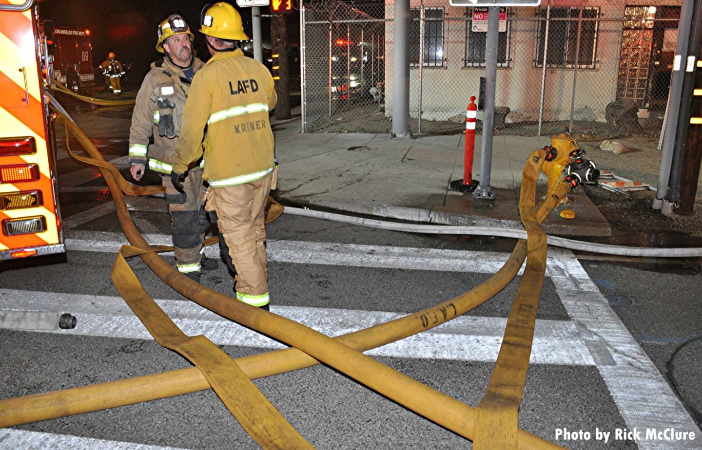 Multiple hoselines attached to a fire hydrant