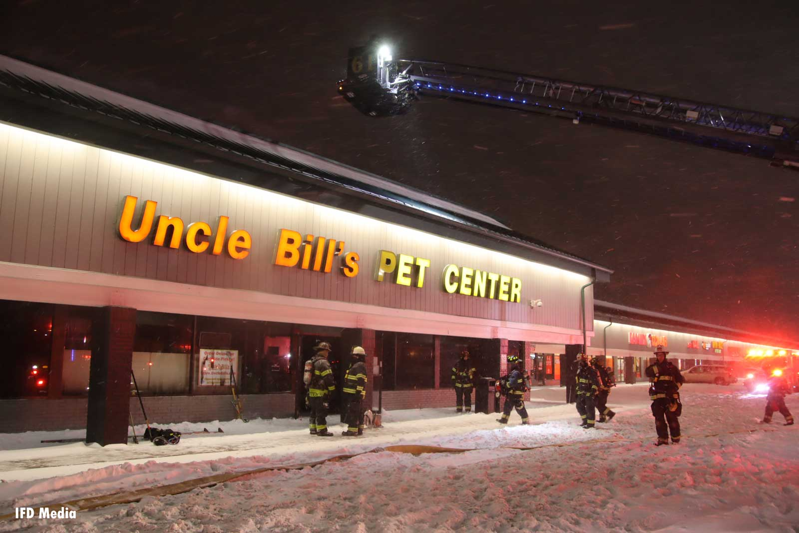 Indianapolis pet store fire