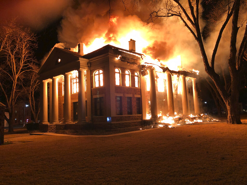 Texas courthouse fire