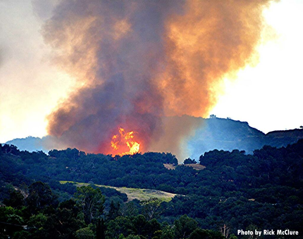 Flames and smoke from the Palisades Fire in California