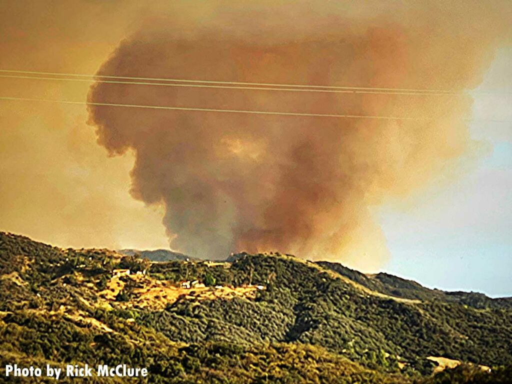 Plume of smoke from the Palisades Fire in Los Angeles