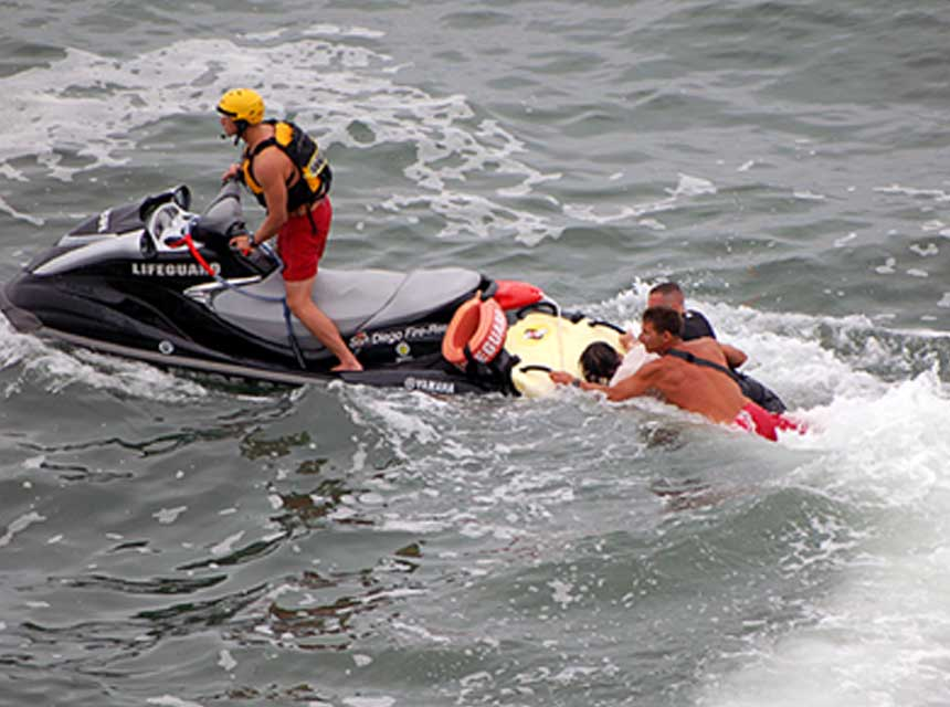 San Diego Fire Rescue Lifeguards rescue two victims