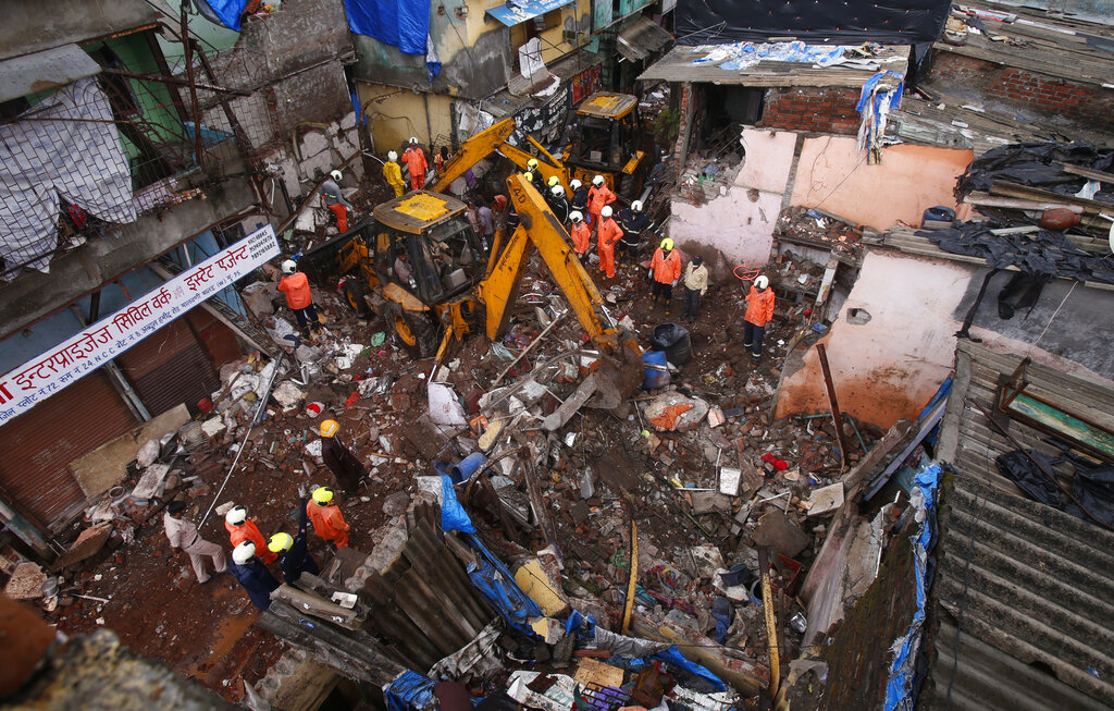 Monsoon causes building collapse in India